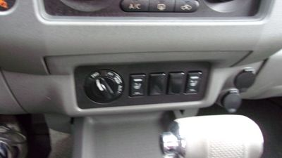 2005 Nissan Frontier 4WD LE Crew Cab V6 Automatic - Click to see full-size photo viewer