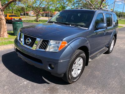 2005 Nissan Pathfinder LE 2WD SUV