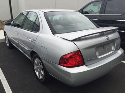 2005 Nissan Sentra 4dr Sedan I4 Manual 1.8 S SULEV - Click to see full-size photo viewer