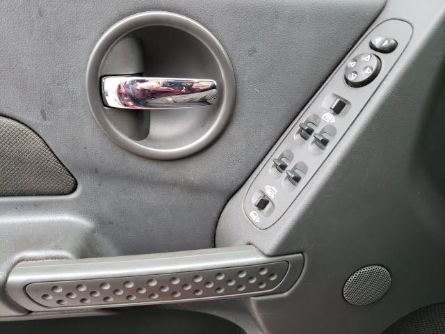 2005 Pontiac Grand Prix 4dr Sedan - 18182860 - 11