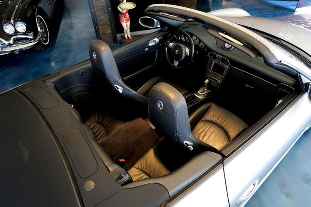 2005 Porsche 911 2dr Cabriolet Carrera S 997 - Click to see full-size photo viewer