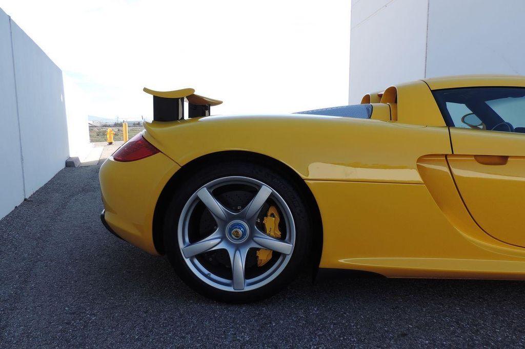 2005 Porsche Carrera GT 2dr Carrera - 13766513 - 11