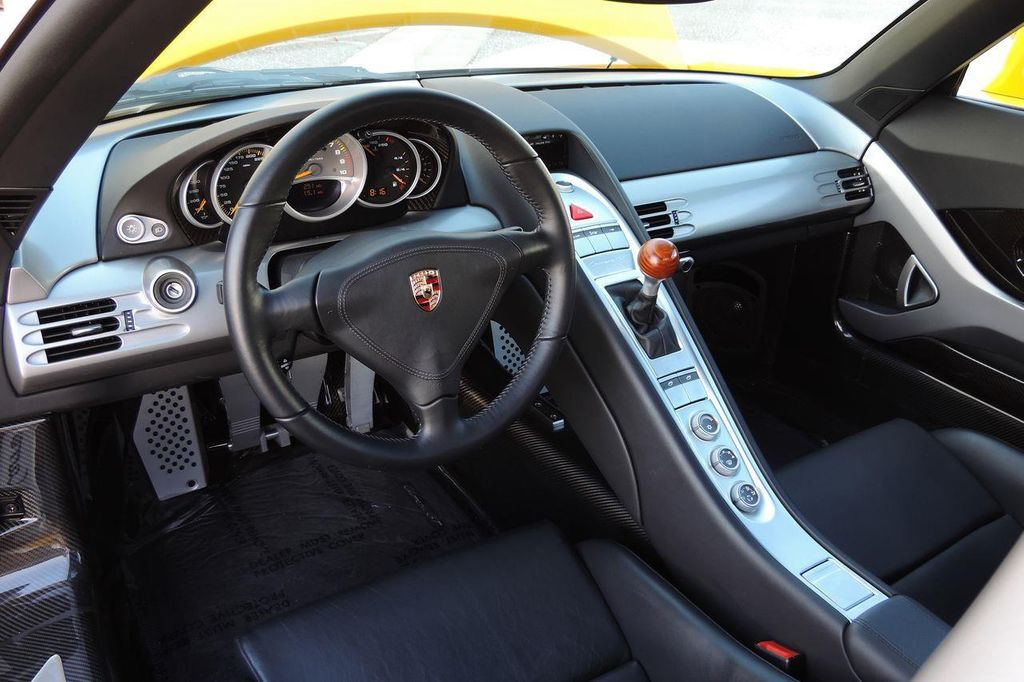 2005 Porsche Carrera GT 2dr Carrera - 13766513 - 24