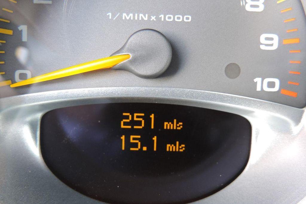 2005 Porsche Carrera GT 2dr Carrera - 13766513 - 25