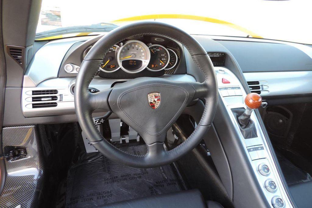 2005 Porsche Carrera GT 2dr Carrera - 13766513 - 29