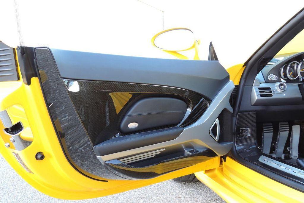 2005 Porsche Carrera GT 2dr Carrera - 13766513 - 32