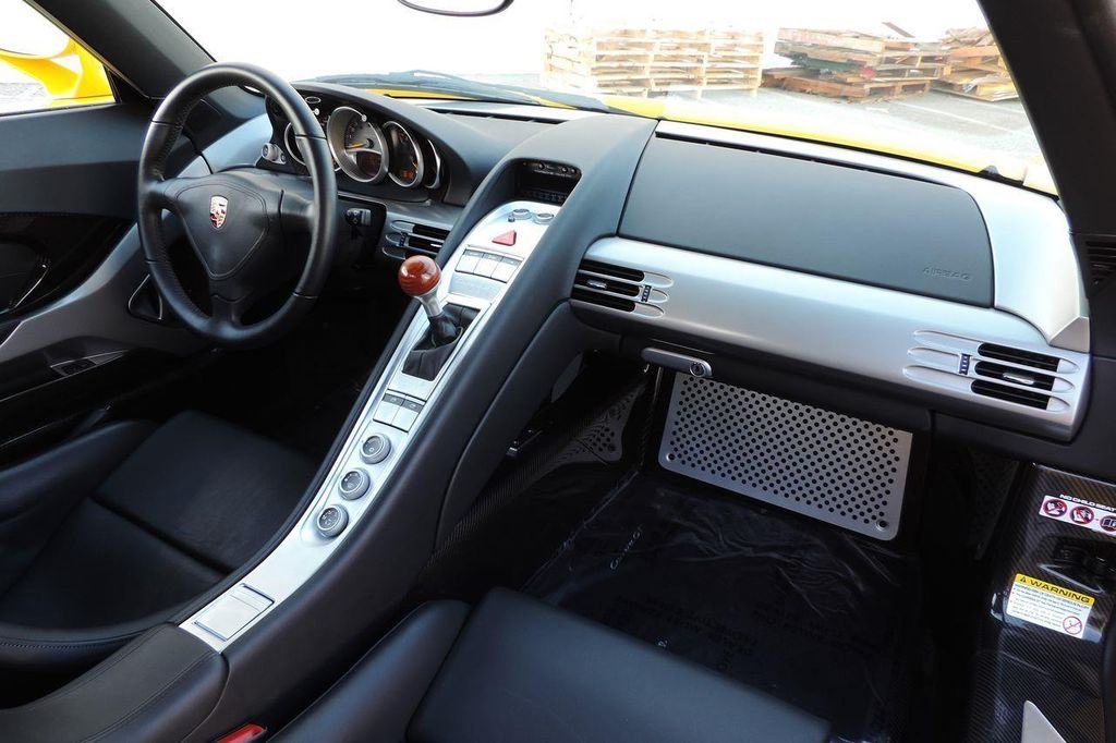 2005 Porsche Carrera GT 2dr Carrera - 13766513 - 37