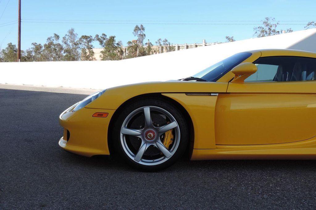 2005 Porsche Carrera GT 2dr Carrera - 13766513 - 3