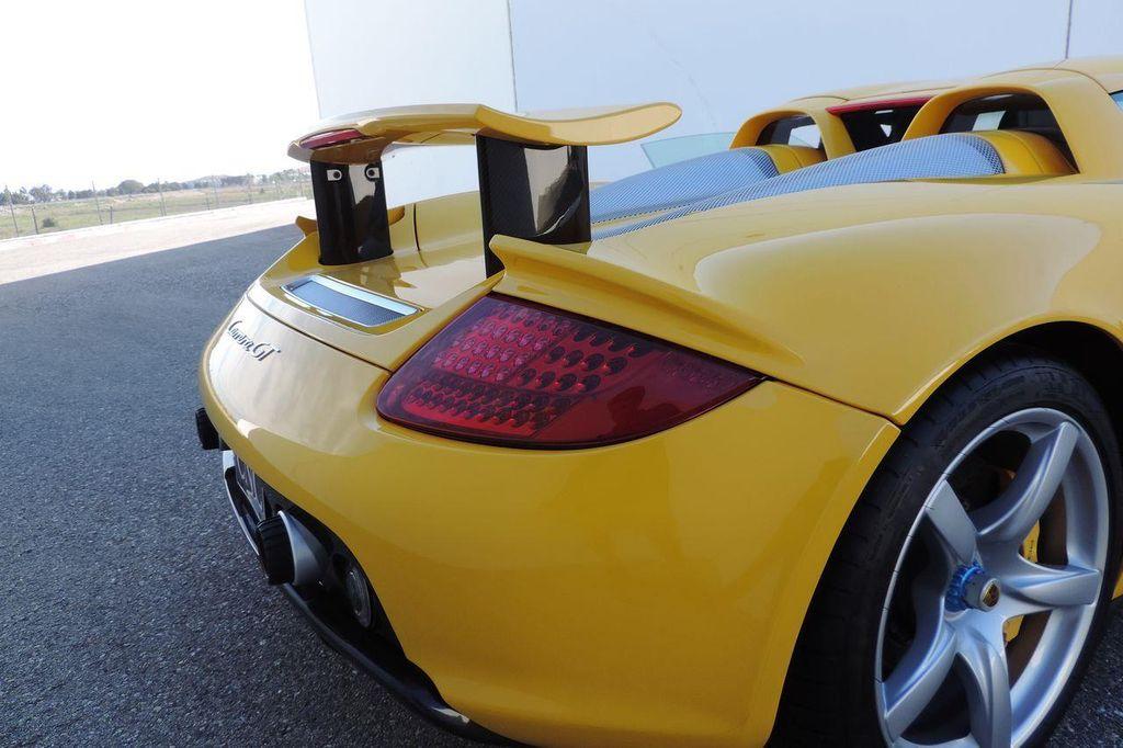2005 Porsche Carrera GT 2dr Carrera - 13766513 - 39
