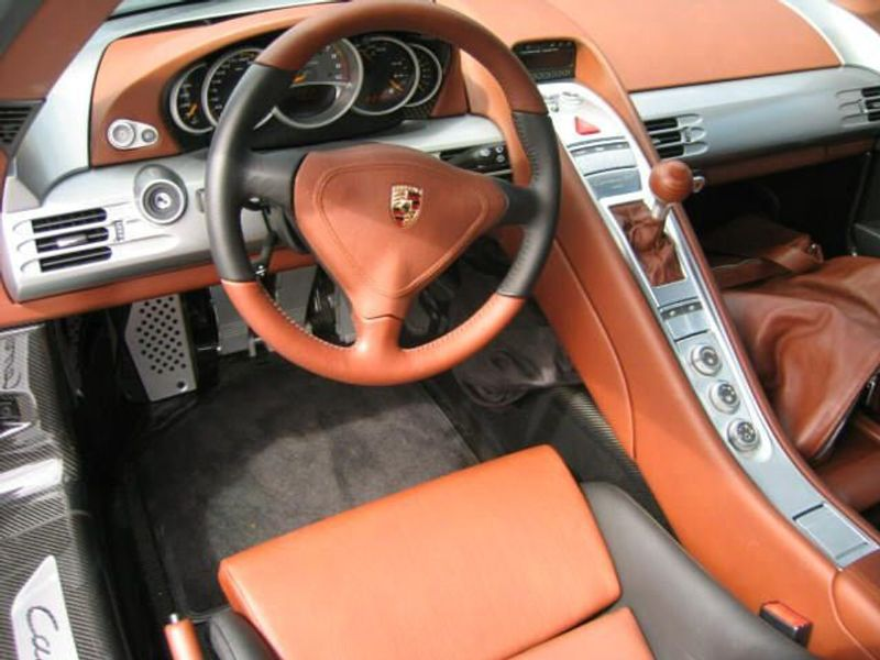 2005 Porsche Carrera GT 2dr Carrera - 1586787 - 3