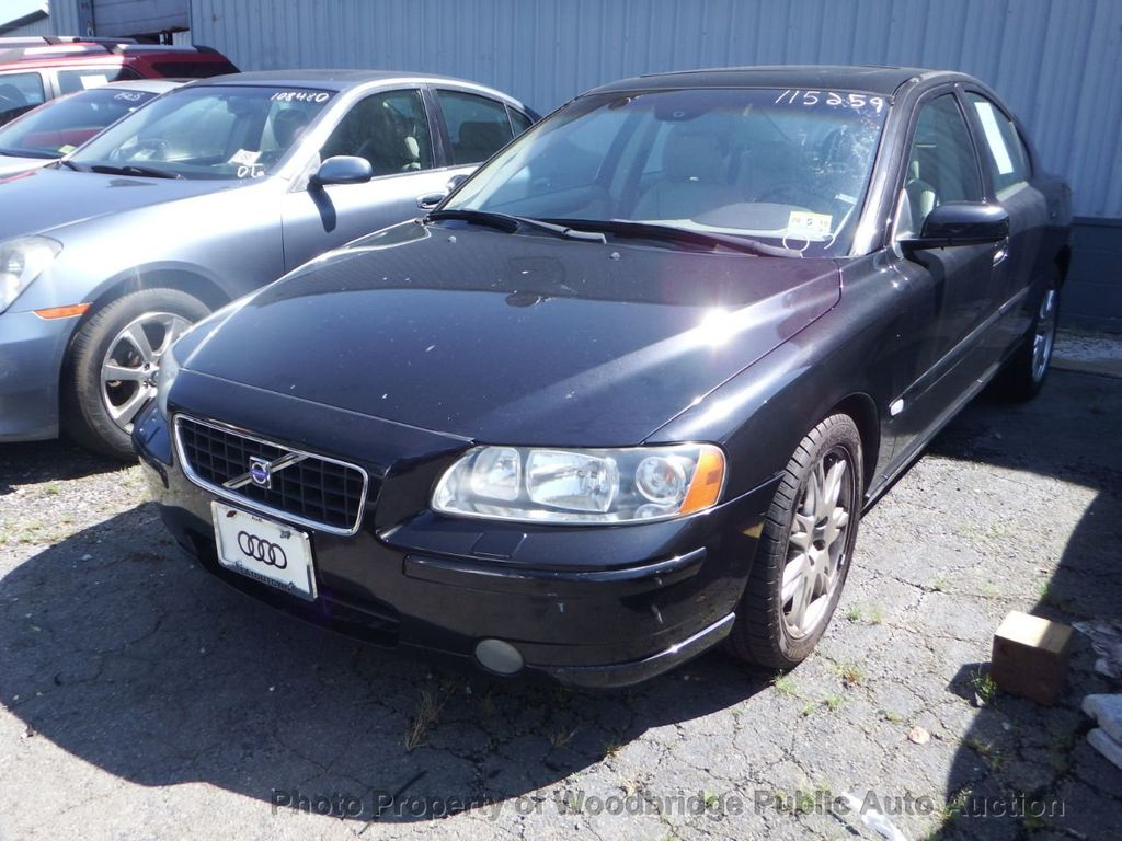 2005 Used Volvo S60 2 5t At Woodbridge Public Auto Auction Va Iid