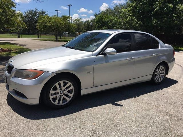 2006 BMW 3 Series 325i - Click to see full-size photo viewer