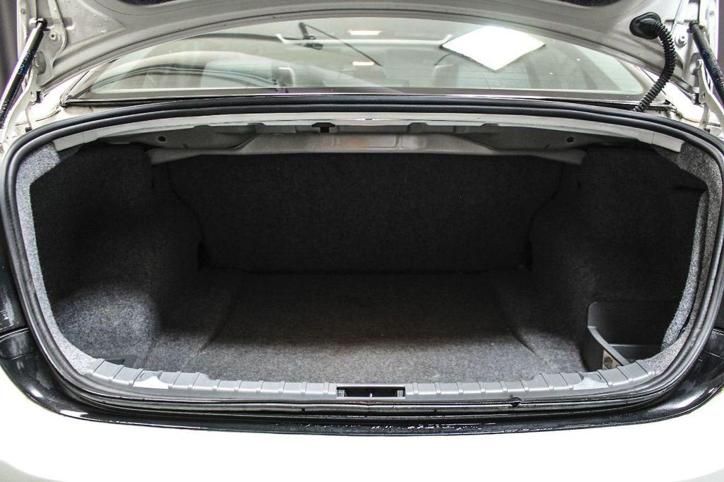 2006 bmw 325i trunk dimensions