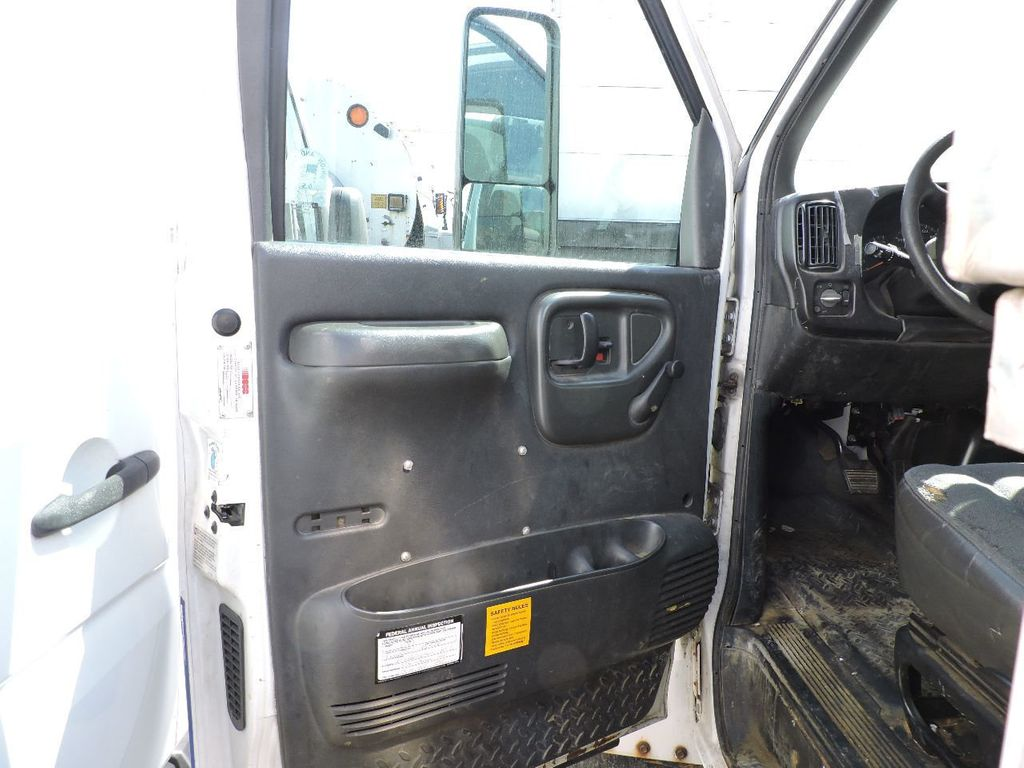 2006 Chevrolet C5500 11 FOOT ENCLOSED UTILITY SERVICE TRUCK DIESE C5500 11 FOOT ENCLOSED UTILITY SERVICE TRUCK - 14872368 - 8