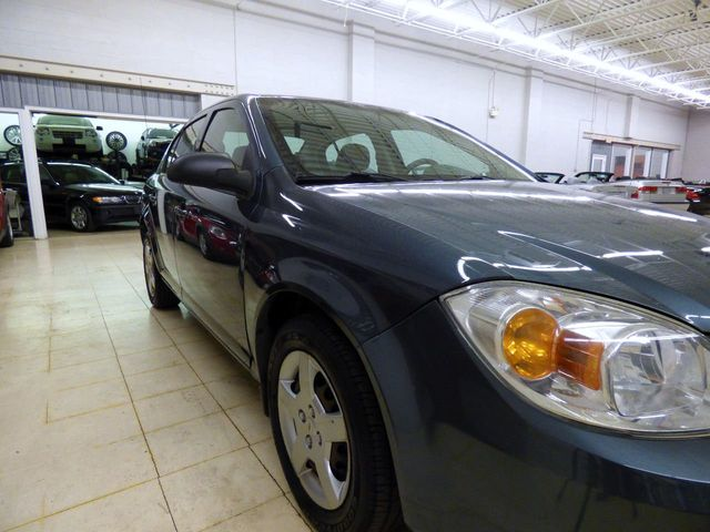 2006 Chevrolet Cobalt 4dr Sedan LS - Click to see full-size photo viewer