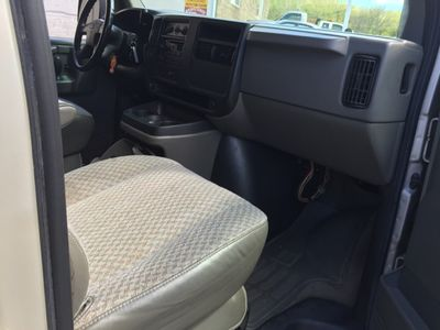 "2006 Chevrolet Express Passenger 1500 135"" WB RWD - Click to see full-size photo viewer"