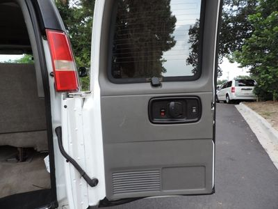 """2006 Chevrolet Express Passenger 3500 135"""" WB RWD - Click to see full-size photo viewer"""