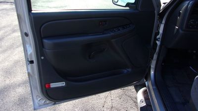 """2006 Chevrolet Silverado 1500 Crew Cab 143.5"""" WB 2WD LT1 - Click to see full-size photo viewer"""