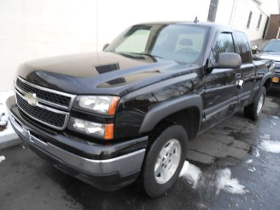 2006 Chevrolet Silverado 1500 LS - Click to see full-size photo viewer