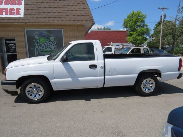 "2006 Chevrolet Silverado 1500 Reg Cab 133.0"" WB 2WD Work Truck - Click to see full-size photo viewer"