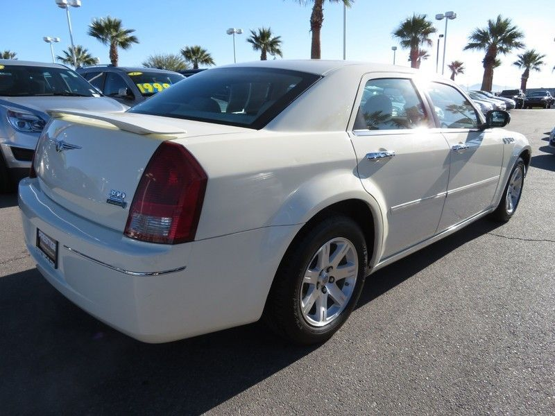 2006 Chrysler 300 4dr Sedan 300 Touring - 17260992 - 11