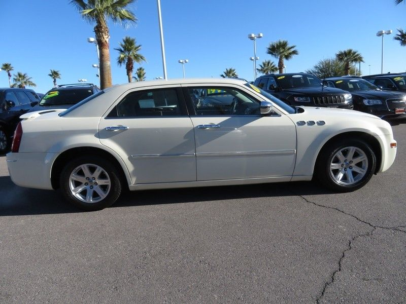2006 Chrysler 300 4dr Sedan 300 Touring - 17260992 - 3