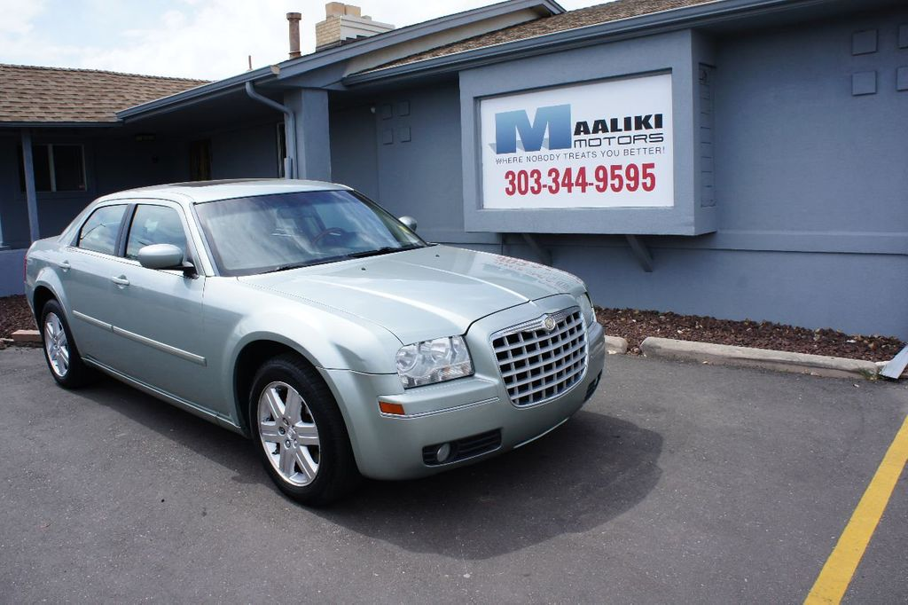 2006 Chrysler 300 4dr Sedan 300 Touring AWD - 17546147 - 0
