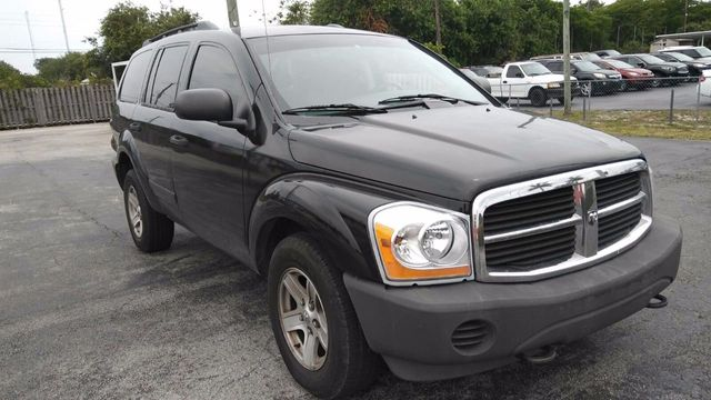 2006 Dodge Durango 4dr 4WD SXT - Click to see full-size photo viewer