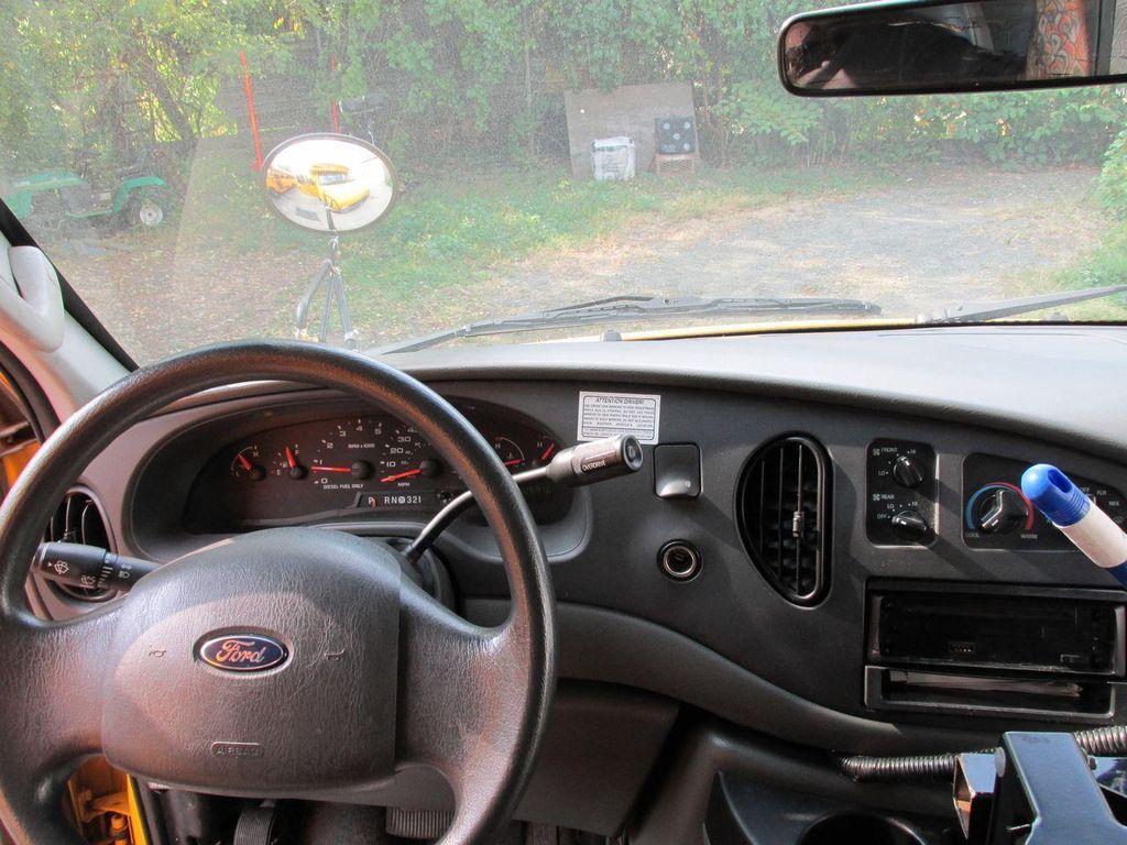 2006 Ford CUTAWAY VAN Base Trim - 11190150 - 24