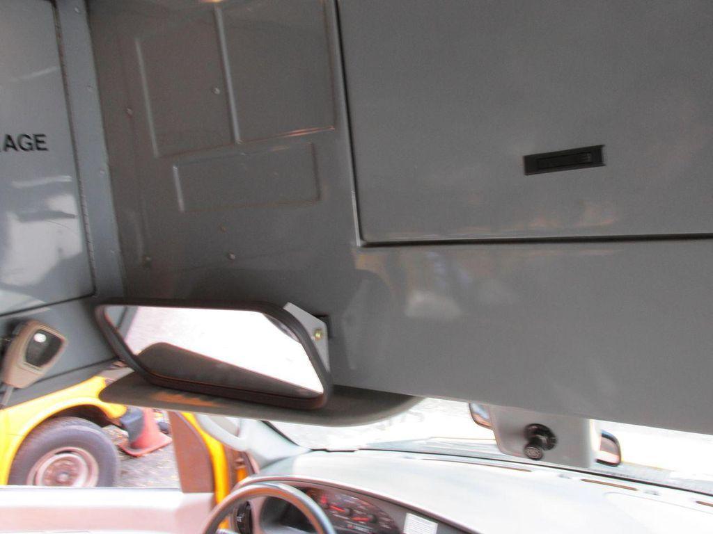 2006 Ford CUTAWAY VAN Base Trim - 11190150 - 30