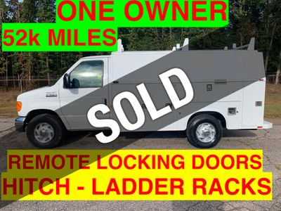2006 Ford E350HD SRW KUV WALK IN UTILITY JUST 52k MILES ONE OWNER!! HITCH RECEIVER LADDER RACKS
