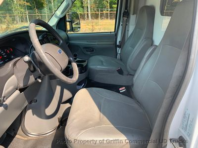 2006 Ford E350HD SRW KUV WALK IN UTILITY JUST 59k MILES ONE OWNER!! HITCH RECEIVER LADDER RACKS - Click to see full-size photo viewer