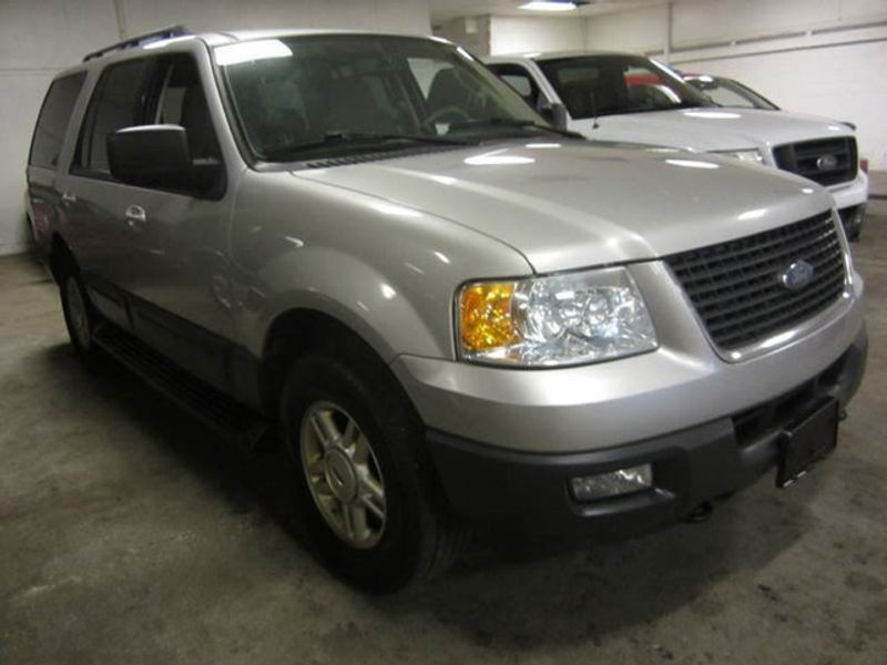 2006 used ford expedition 4x4 xlt 3rd row at contact us serving cherry hill nj iid 14821332 for 2006 ford expedition interior parts