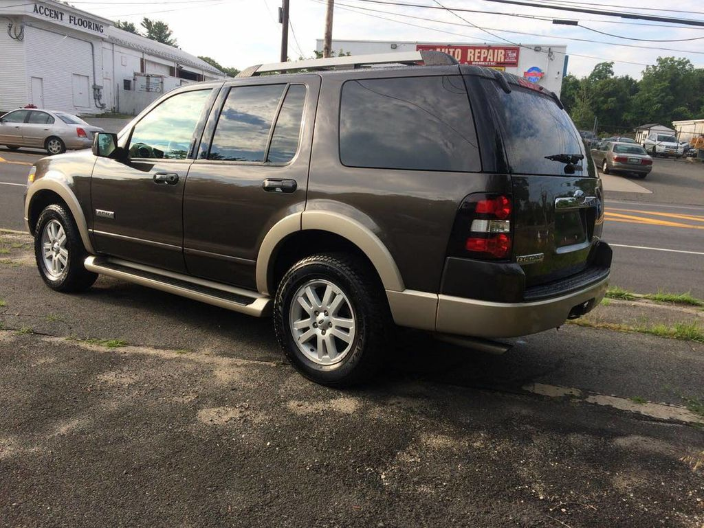 "2006 Ford Explorer 4dr 114"" WB 4.6L Limited 4WD - 16652184 - 2"