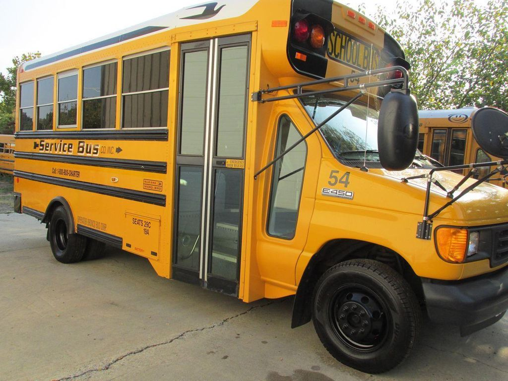 2006 Ford E-450 School Bus - 11161156 - 10