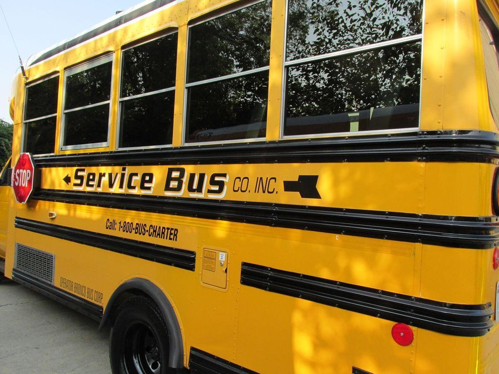 2006 Ford E-450 School Bus - 11161156 - 16