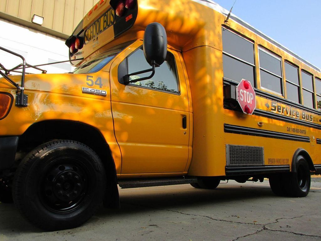 2006 Ford E-450 School Bus - 11161156 - 2