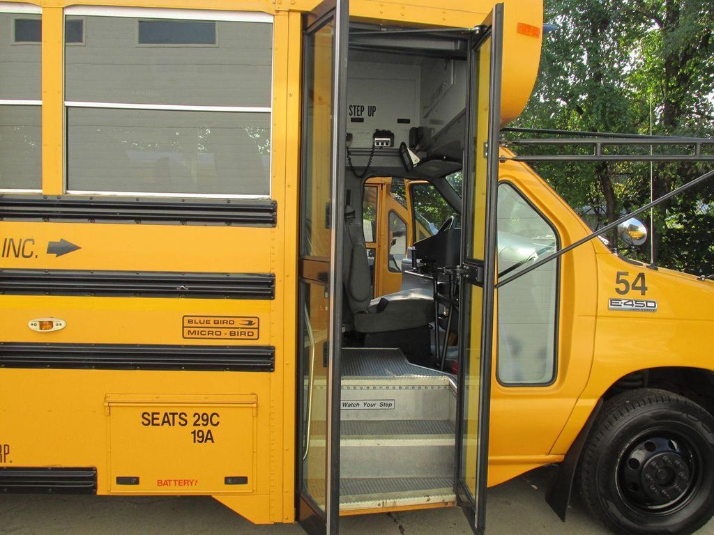 2006 Ford E-450 School Bus - 11161156 - 36