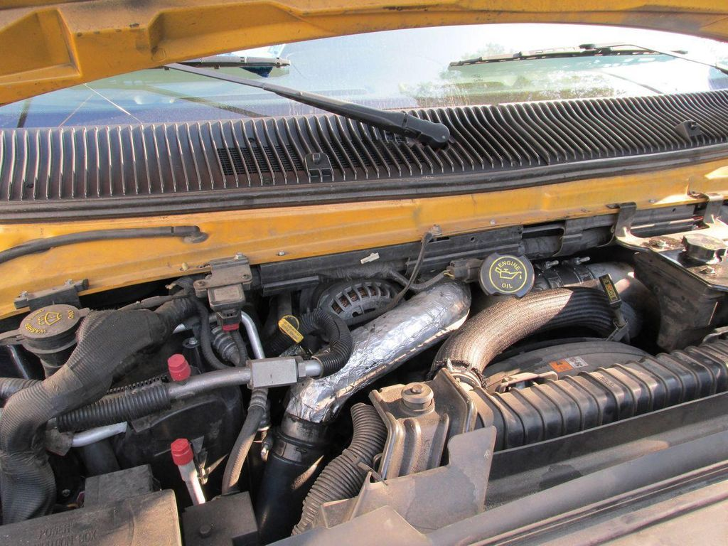 2006 Ford E-450 School Bus - 11161156 - 38