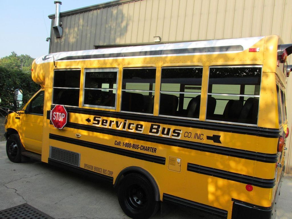 2006 Ford E-450 School Bus - 11161156 - 3