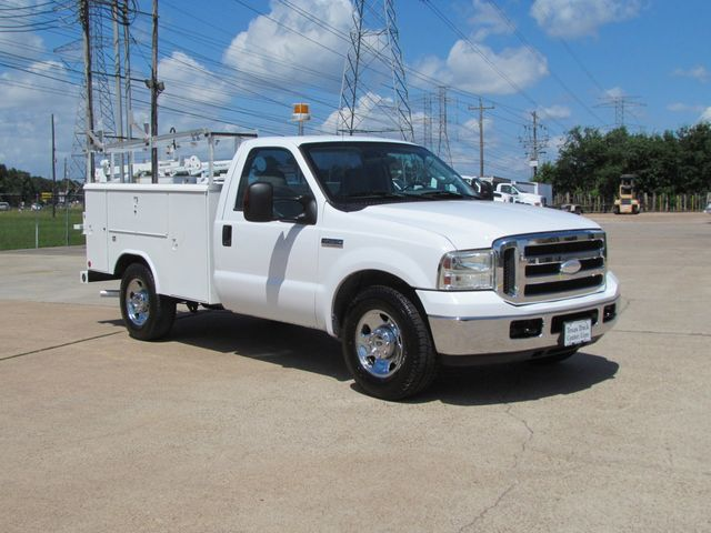 2006 Ford F250 Utility-Service 4x2 - 16167799 - 1