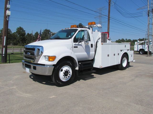2006 Ford F750 Utility-Service - 15423672 - 5