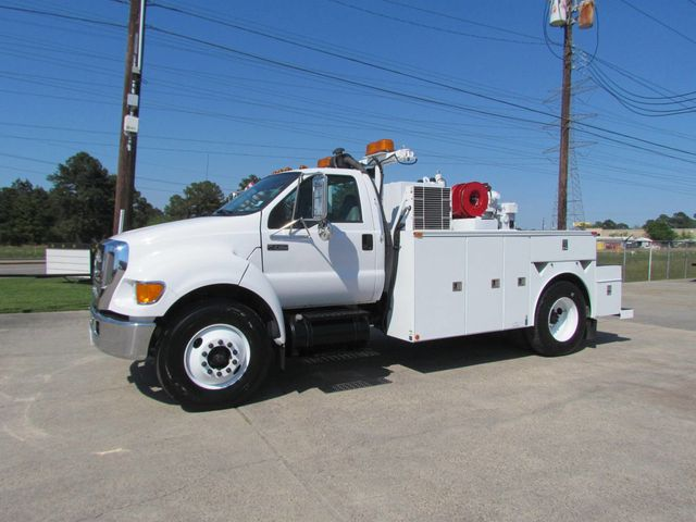 2006 Ford F750 Utility-Service - 15423672 - 6