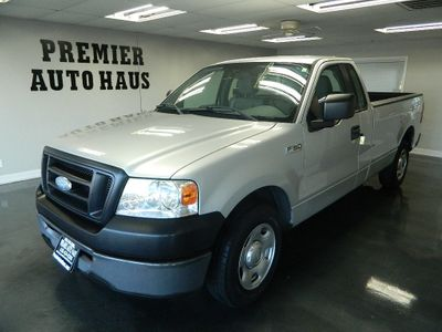 2006 Ford F-150 2006 FORD F 150 REG CAB TRUCK LOW MILES