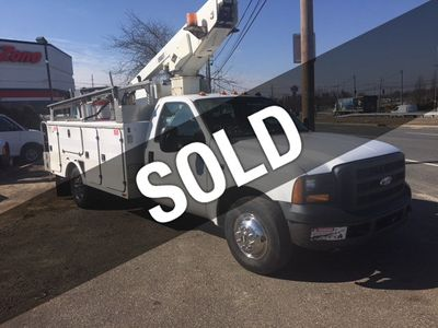 2006 Ford F-350 34 FOOT REACH VERSA-LIFT