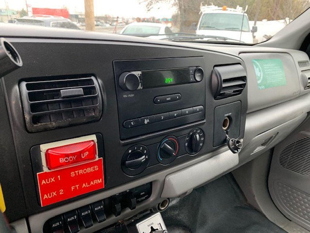 2006 Ford F-450 CREW CAB FOUR WHEEL DRIVE LANDSCAPE DUMP TRUCK - 17724860 - 39