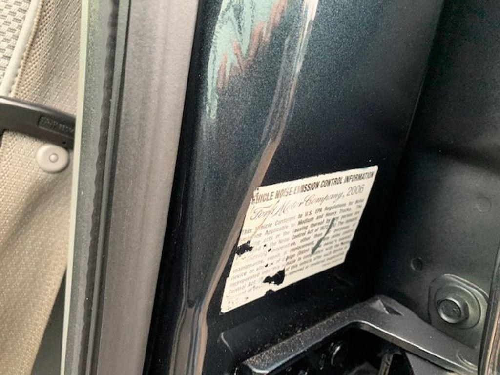 2006 Ford F-450 CREW CAB FOUR WHEEL DRIVE LANDSCAPE DUMP TRUCK - 17724860 - 43