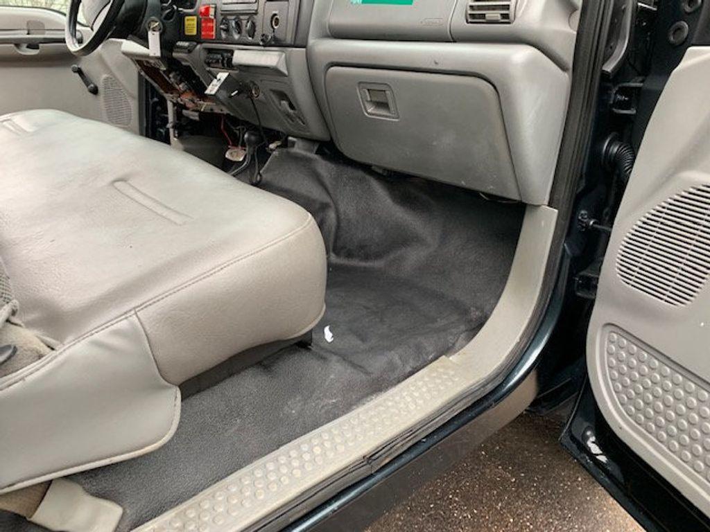 2006 Ford F-450 CREW CAB FOUR WHEEL DRIVE LANDSCAPE DUMP TRUCK - 17724860 - 50