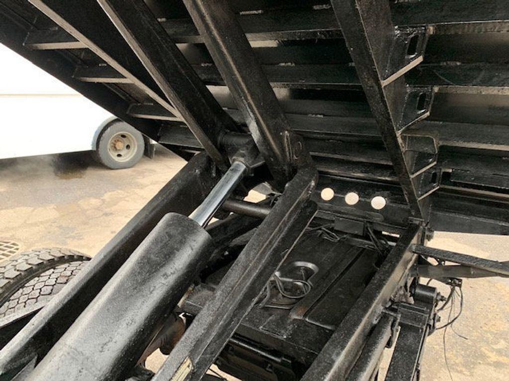 2006 Ford F-450 CREW CAB FOUR WHEEL DRIVE LANDSCAPE DUMP TRUCK - 17724860 - 53