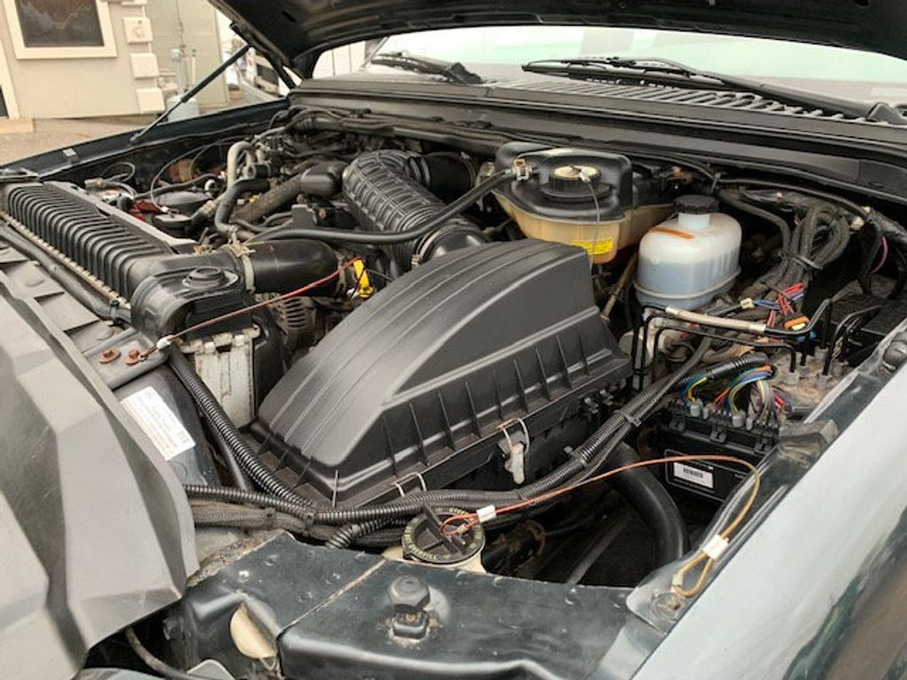 2006 Ford F-450 CREW CAB FOUR WHEEL DRIVE LANDSCAPE DUMP TRUCK - 17724860 - 57